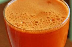 Kilka słów na temat soków naturalnie wyciskanych
