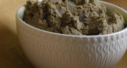 Pasta z zielonej soczewicy i oliwek